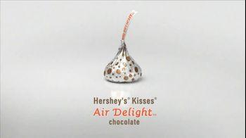 Hershey's TV Spot For Air Delight - Thumbnail 6