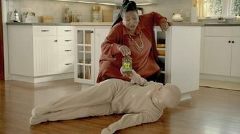 Pine Sol TV Spot, 'Dirt Snuggler' - Thumbnail 10