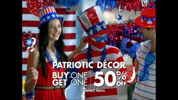 Party City TV Spot For Fourth Of July Sales Event - Thumbnail 5