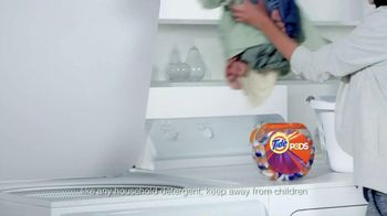 Tide Pods TV Spot, 'Pop Goes the World' Song by Savoir Adore - Thumbnail 2