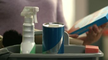 Mr. Clean Magic Eraser Select-a-Size TV Spot, 'Sprayed Myself' - Thumbnail 2