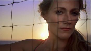 CoverGirl Outlast Lipcolor TV Spot, 'Gold and Pink' Ft. Jennifer Kessy - 5 commercial airings