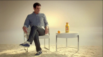 Minute Maid Pure Squeezed TV Spot 'Jealous Orange' Featuring Ty Burrell - Thumbnail 4