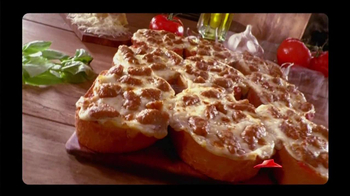 Pizza Hut Garlic Bread Pizza TV Spot, 'Don't Settle' - Thumbnail 6