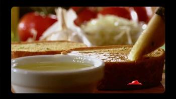 Pizza Hut Garlic Bread Pizza TV Spot, 'Don't Settle' - Thumbnail 7