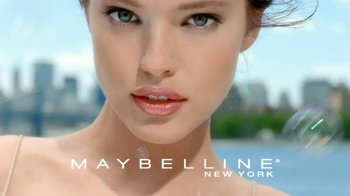Maybelline New York Dream Nude Airfoam Foundation TV Spot, 'Lighten Up'