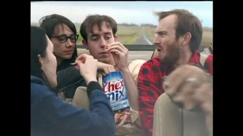 Chex Mix TV Spot, 'Boring Potato Chip Decoy Bag' - Thumbnail 3