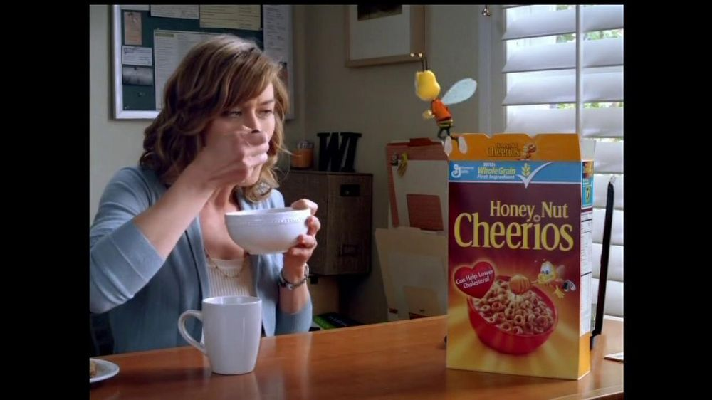 Honey Nut Cheerios TV Commercial, 'Insect Wall'