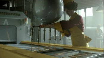 Twix TV Spot, 'Inventors Falling Out' - Thumbnail 4