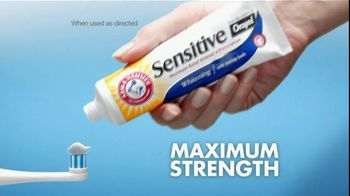 Arm and Hammer Sensitive Whitening TV Spot, 'Then and Now' - Thumbnail 4