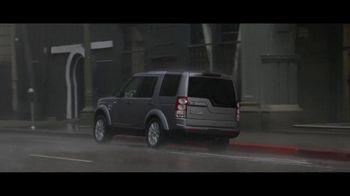 Land Rover LR4 HSE TV Spot, '7th Wheel' - Thumbnail 3
