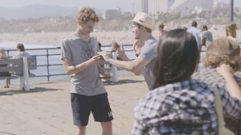 Samsung Galaxy S III TV Spot, 'Pier Photoshoot' - Thumbnail 3