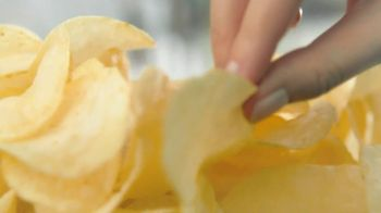 Lay's Original Chips TV Spot, Song by Queen - Thumbnail 7