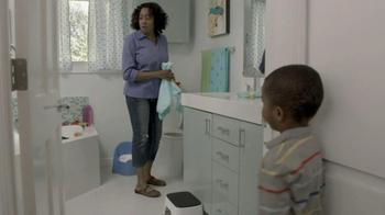 Clorox TV Spot, 'Bathroom Surprise' - Thumbnail 7