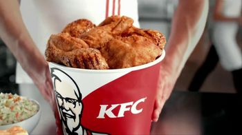 KFC TV Spot, 'Mashed Potatoes and Gravy v. Mac and Cheese' - Thumbnail 9