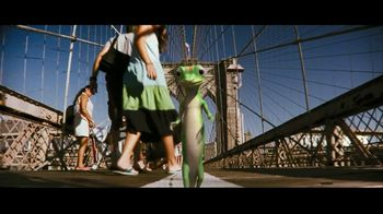 GEICO TV Spot, 'Brooklyn Bridge' - Thumbnail 4