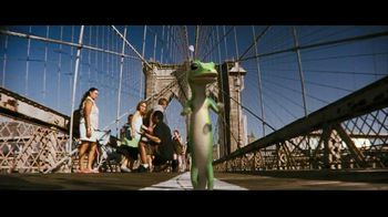 GEICO TV Spot, 'Brooklyn Bridge' - Thumbnail 5