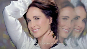 L'Oreal Visible Lift Repair Absolute Foundation TV Spot, 'Flawless Coverage' Featuring Andie MacDowell - Thumbnail 8