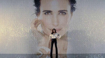 L'Oreal Visible Lift Repair Absolute Foundation TV Spot, 'Flawless Coverage' Featuring Andie MacDowell - Thumbnail 9