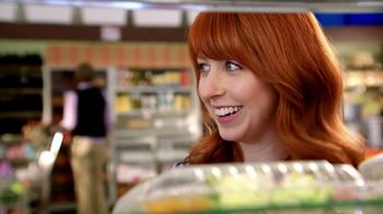 Wendy's Berry Almond Chicken Salad TV Spot, 'Visiting Old Friends' - Thumbnail 2