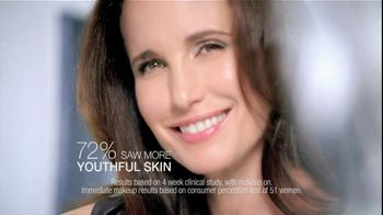 L'Oreal Visible Lift Serum Absolute Makeup TV Spot Feat. Andie MacDowell - Thumbnail 7