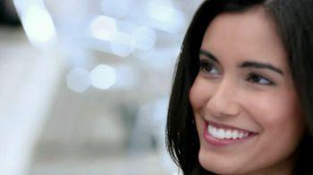 Crest Glamorous 3D Whitening Toothpaste TV Spot, 'Ex Encounter' - Thumbnail 3