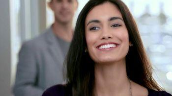 Crest Glamorous 3D Whitening Toothpaste TV Spot, 'Ex Encounter' - Thumbnail 6