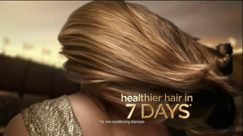 Pantene Daily Moisture Renewal Shampo TV Spot Featuring Natalie Coughlin - Thumbnail 8