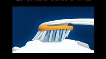 Oral-B Pro-Health Clinical Toothbrush TV Spot - Thumbnail 6