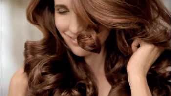 L'Oreal Excellence Color Creme TV Spot, 'Color That Cares' Featuring Andie MacDowell - Thumbnail 5