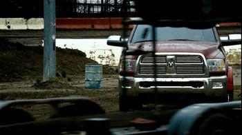 Dodge TV Spot, 'Land of Giants' - Thumbnail 8