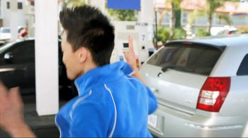 ARCO TV Spot For Accepting Credit Cards Dance Party - Thumbnail 6