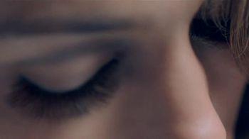 L'Oreal TV Voluminous Million Lashes TV Spot Featuring Jennifer Lopez - Thumbnail 6