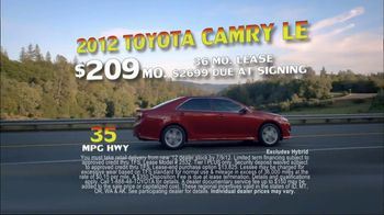 Toyota Summer Sales Drive TV Spot, '2012 Camry' Song by Lindsey Buckingham - Thumbnail 6