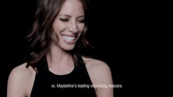 Maybelline Volum' Express Mega Plush Mascara TV Spot, 'Mega News' - Thumbnail 6