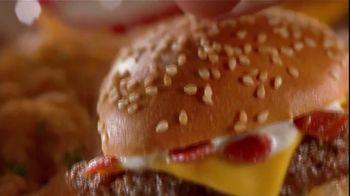 Chili's TV Lunch Break Combos TV Spot, 'Quesadillas and Burger Bites' - Thumbnail 4