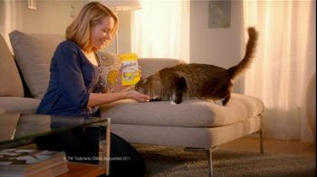 Temptations Cat Treats TV Spot For Leaving Laundry