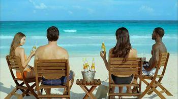 Corona Extra TV Spot, 'Business Getaway' - Thumbnail 9