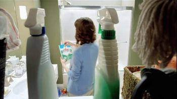 Mr. Clean Magic Eraser Bath Scrubber TV Spot 'Crazy Clean' - Thumbnail 2