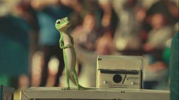 GEICO Car Insurance TV Spot, 'Military Parade Gecko Float' - Thumbnail 4