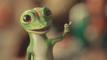 GEICO Car Insurance TV Spot, 'Military Parade Gecko Float' - Thumbnail 7