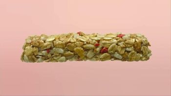 Quaker Strawberry Yogurt Granola Bars TV Spot, 'Yummy Good' - Thumbnail 4