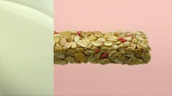 Quaker Strawberry Yogurt Granola Bars TV Spot, 'Yummy Good' - Thumbnail 5