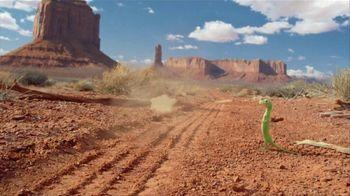 GEICO TV Spot, 'Strange Desert' Featuring Road Runner and Wile E. Coyote - Thumbnail 6