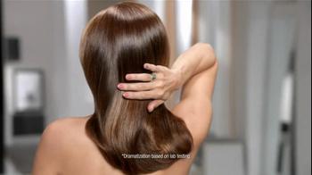 Pantene Anti-Breakage Shampoo TV Spot Featuring Eva Mendes - Thumbnail 8