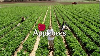 Applebee's Seasonal Berry Salad TV Spot, 'Accessory Fruit' - Thumbnail 1