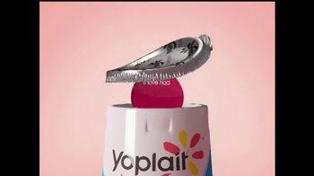 Yoplait Light Strawberry TV Spot, 'Sana's Tweet' - Thumbnail 2
