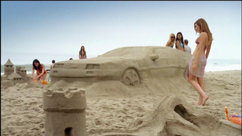 Old Spice Champion TV Spot, 'Sand Car' Featuring Heather Graham - Thumbnail 3