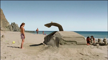 Old Spice Champion TV Spot, 'Sand Car' Featuring Heather Graham - Thumbnail 5