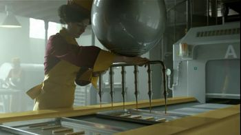 Twix TV Spot, 'Factories' - Thumbnail 6